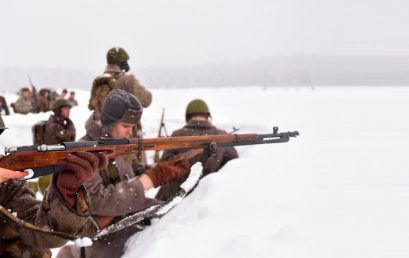 Битва за Москву: как реконструкторы воссоздают бой